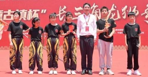 """平均年龄10岁,宁海这所小学龙狮队摘得""""少年狮王奖"""""""