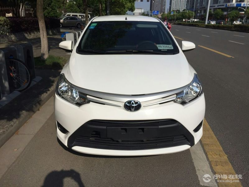 出售丰田威驰新款1.3自动 白色