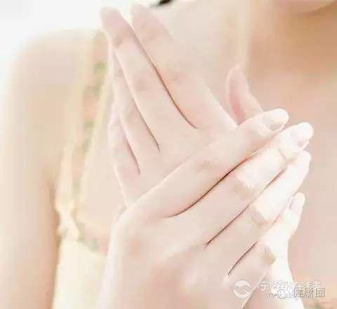 快看看你的手指甲 指甲 病 了,可能身体也病了