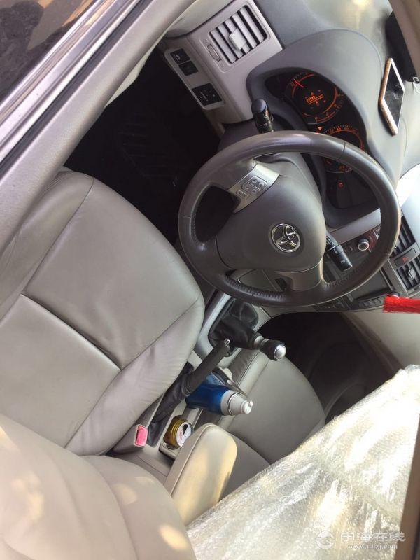 丰田卡罗拉 1.8手动挡 高配 黑色 个人车 喜欢别错过
