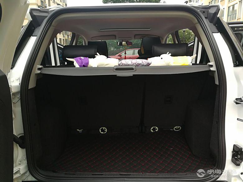 福特翼博1.5at 白色后备箱666520111.jpg