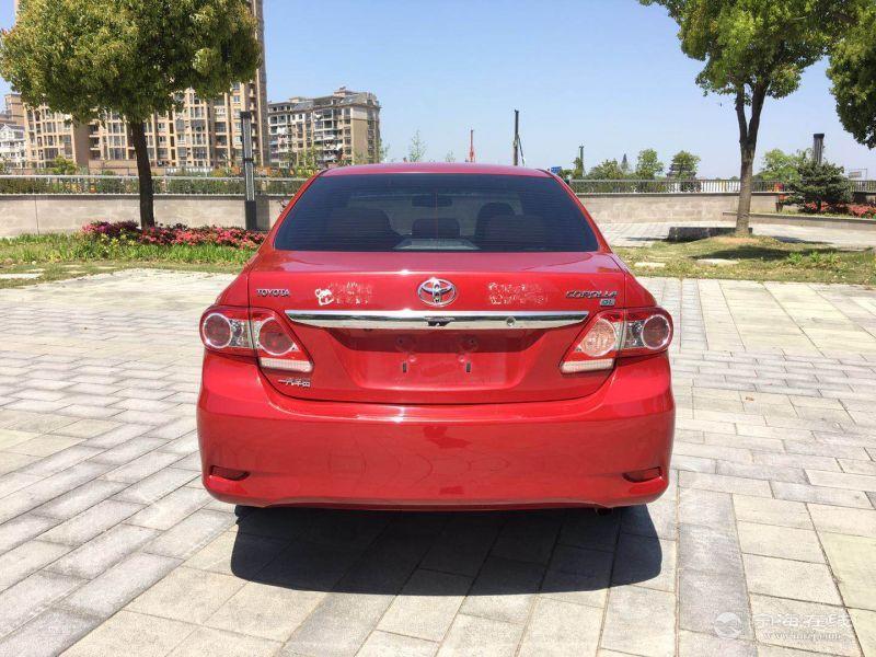 丰田卡罗拉 1.6 红色