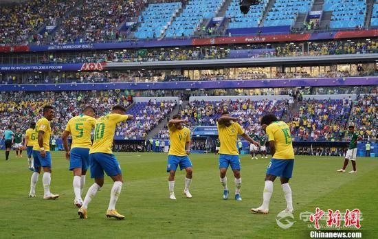 内马尔菲尔米诺破门 巴西2:0胜墨西哥晋级八强4.jpg